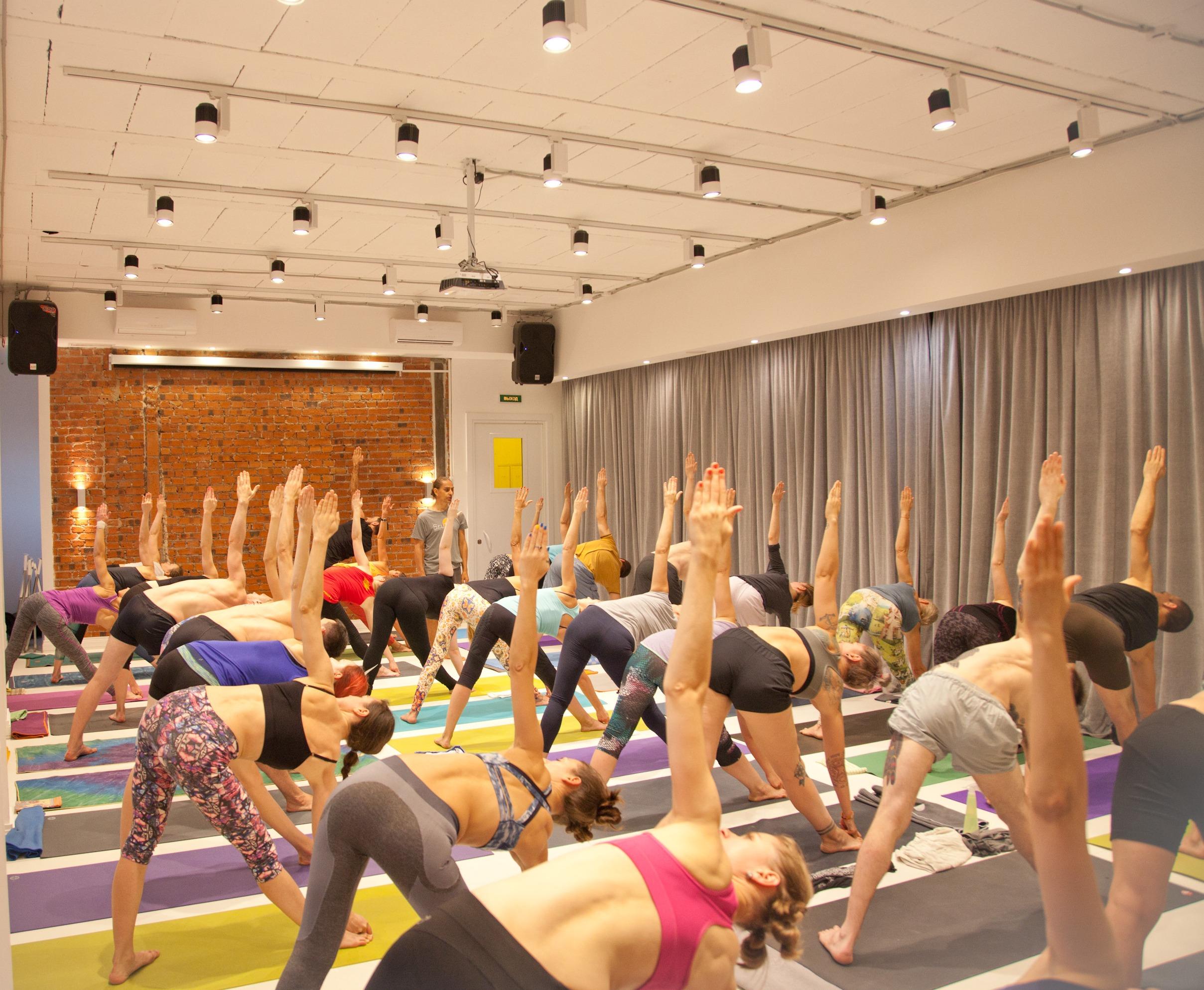 Йога для начинающих в Санкт-Петербурге | Yoga Shala